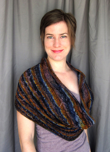 Jayda Cowl knitting pattern by Cassie Castillo.  Lace cowl in adjustable size.